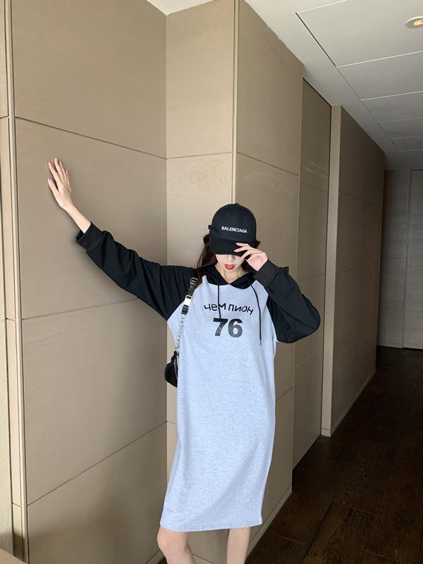 韓国 ファッション ワンピース 春 秋 冬 カジュアル PTXI948  バイカラー ラグランスリーブ フーディ ロゴ オルチャン シンプル 定番 セレカジの写真14枚目