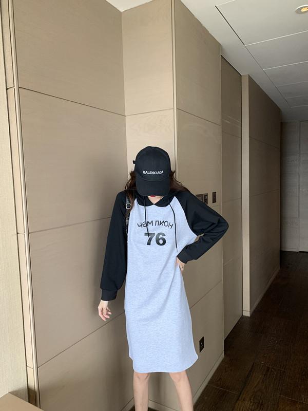 韓国 ファッション ワンピース 春 秋 冬 カジュアル PTXI948  バイカラー ラグランスリーブ フーディ ロゴ オルチャン シンプル 定番 セレカジの写真15枚目