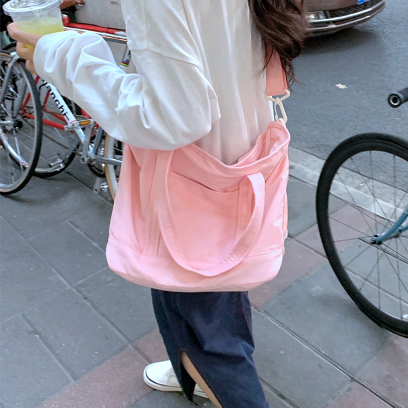 韓国 ファッション ボストンバッグ 春 夏 秋 冬 カジュアル PTXJ078  ボストンバッグ スタイリストバッグ 小旅行  オルチャン シンプル 定番 セレカジの写真4枚目