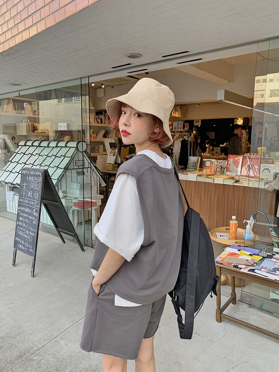 韓国 ファッション セットアップ 春 夏 秋 カジュアル PTXJ567  オーバーサイズ ベスト ショートパンツ オルチャン シンプル 定番 セレカジの写真3枚目