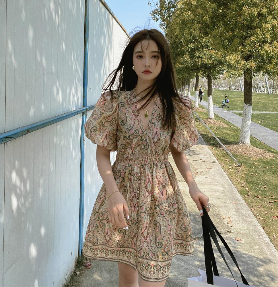 韓国 ファッション ワンピース 春 夏 秋 カジュアル PTXJ589  パフスリーブ 深Vネック くすみカラー ミニ オルチャン シンプル 定番 セレカジの写真2枚目