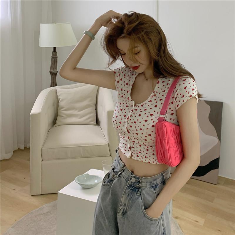 韓国 ファッション トップス Tシャツ カットソー 春 夏 カジュアル PTXJ592  ショート 肌見せ Uネック フロントボタン 小花 オルチャン シンプル 定番 セレカジの写真9枚目