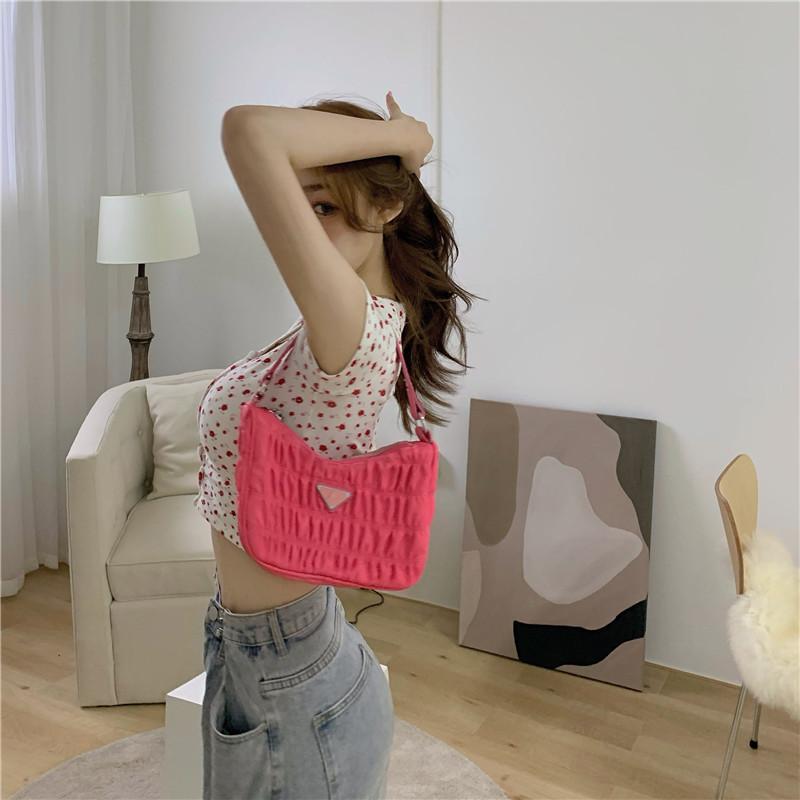 韓国 ファッション トップス Tシャツ カットソー 春 夏 カジュアル PTXJ592  ショート 肌見せ Uネック フロントボタン 小花 オルチャン シンプル 定番 セレカジの写真10枚目
