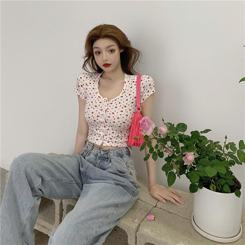 韓国 ファッション トップス Tシャツ カットソー 春 夏 カジュアル PTXJ592  ショート 肌見せ Uネック フロントボタン 小花 オルチャン シンプル 定番 セレカジの写真13枚目