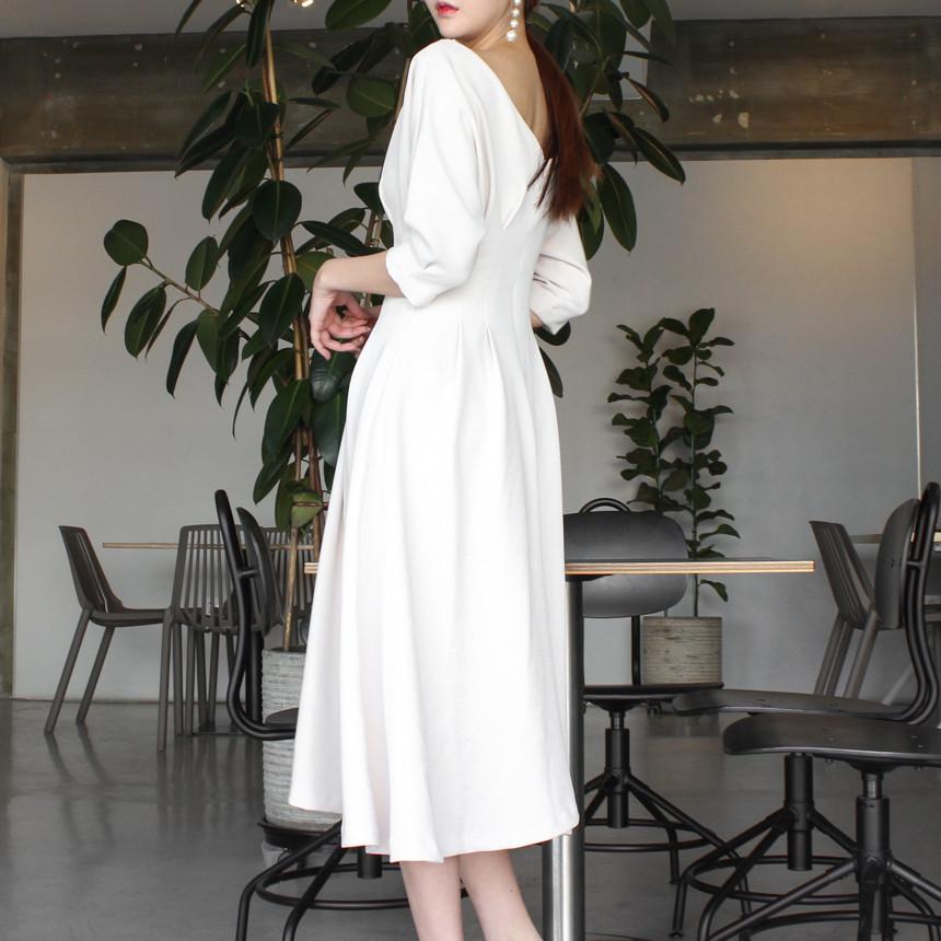 韓国 ファッション ワンピース 春 夏 秋 カジュアル PTXJ662  ボートネック デコルテ見せ フレア Aライン オルチャン シンプル 定番 セレカジの写真10枚目