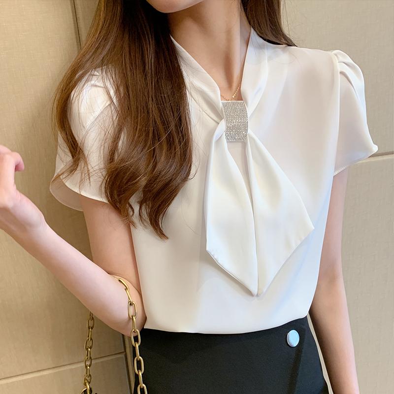 韓国 ファッション トップス ブラウス シャツ 春 夏 カジュアル PTXJ702  シアー ペタルスリーブ ビジュー スカーフ風 オルチャン シンプル 定番 セレカジの写真4枚目