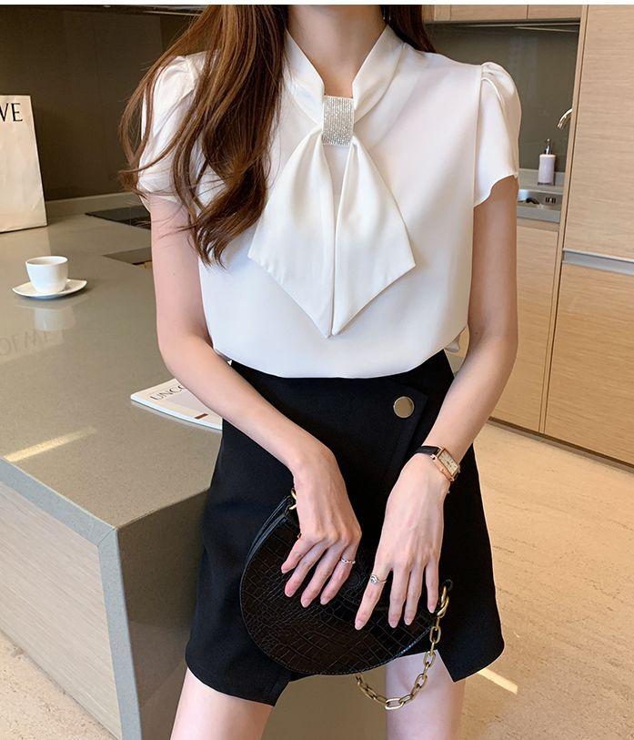 韓国 ファッション トップス ブラウス シャツ 春 夏 カジュアル PTXJ702  シアー ペタルスリーブ ビジュー スカーフ風 オルチャン シンプル 定番 セレカジの写真14枚目
