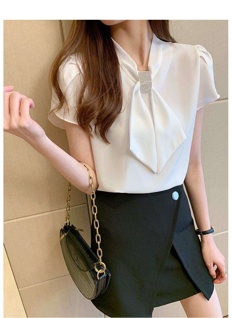 韓国 ファッション トップス ブラウス シャツ 春 夏 カジュアル PTXJ702  シアー ペタルスリーブ ビジュー スカーフ風 オルチャン シンプル 定番 セレカジの写真18枚目
