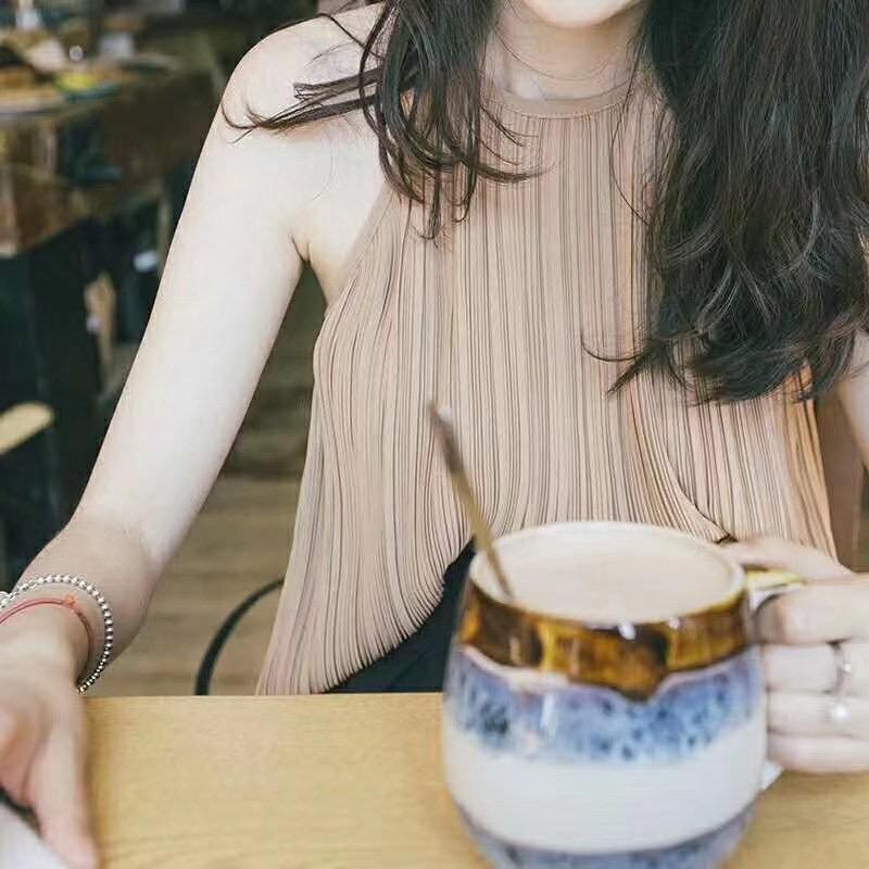 韓国 ファッション トップス ブラウス シャツ 春 夏 カジュアル PTXK026  プリーツ ホルターネック風 肩見せ セクシー オルチャン シンプル 定番 セレカジの写真2枚目