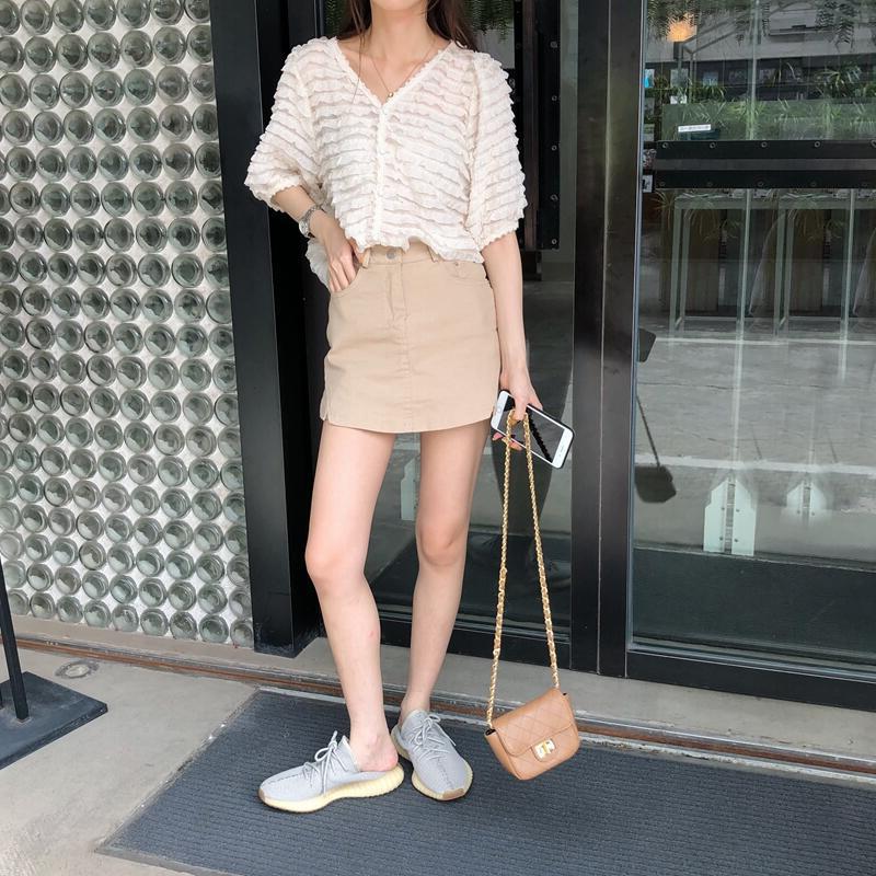 韓国 ファッション トップス ブラウス シャツ 春 夏 カジュアル PTXK059  フリル ティアード シアー パフスリーブ オルチャン シンプル 定番 セレカジの写真8枚目