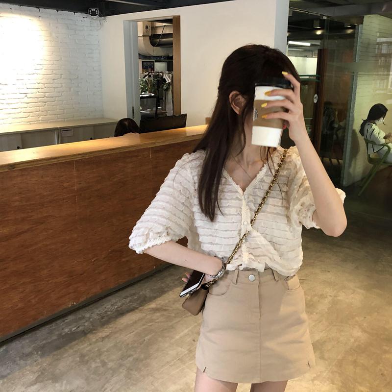 韓国 ファッション トップス ブラウス シャツ 春 夏 カジュアル PTXK059  フリル ティアード シアー パフスリーブ オルチャン シンプル 定番 セレカジの写真9枚目