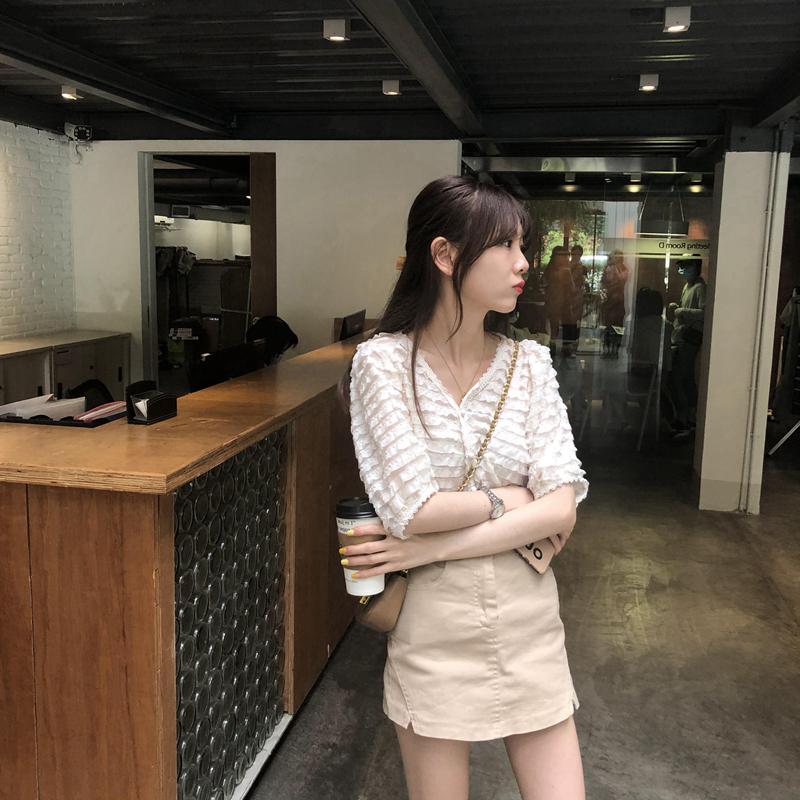 韓国 ファッション トップス ブラウス シャツ 春 夏 カジュアル PTXK059  フリル ティアード シアー パフスリーブ オルチャン シンプル 定番 セレカジの写真11枚目