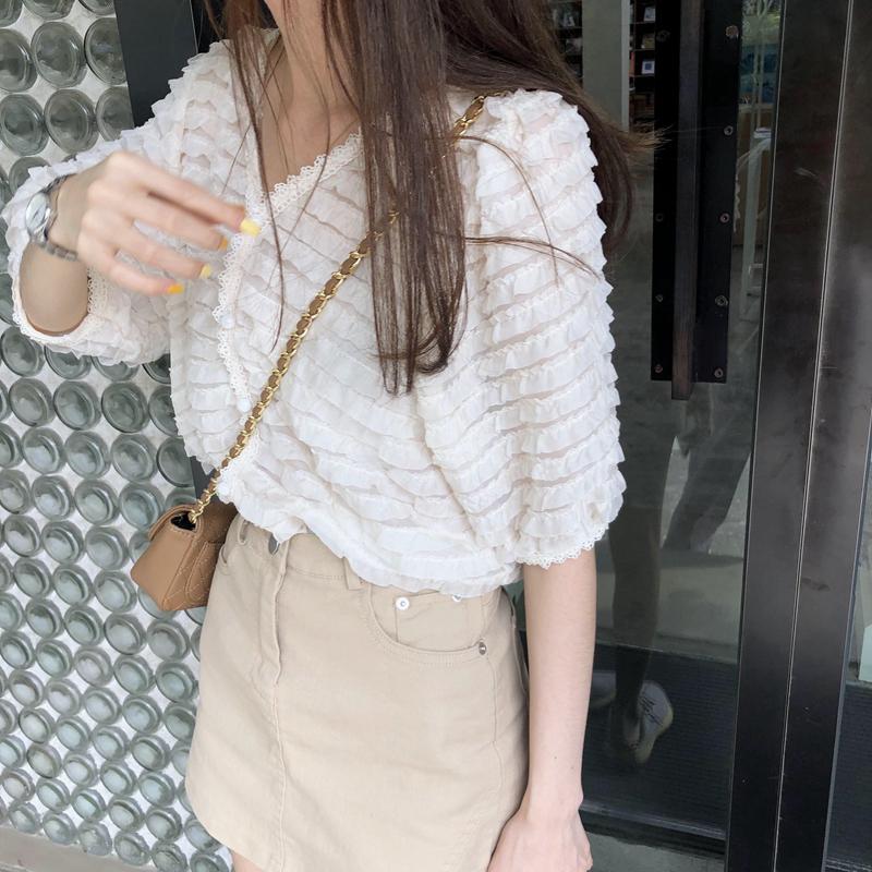 韓国 ファッション トップス ブラウス シャツ 春 夏 カジュアル PTXK059  フリル ティアード シアー パフスリーブ オルチャン シンプル 定番 セレカジの写真13枚目