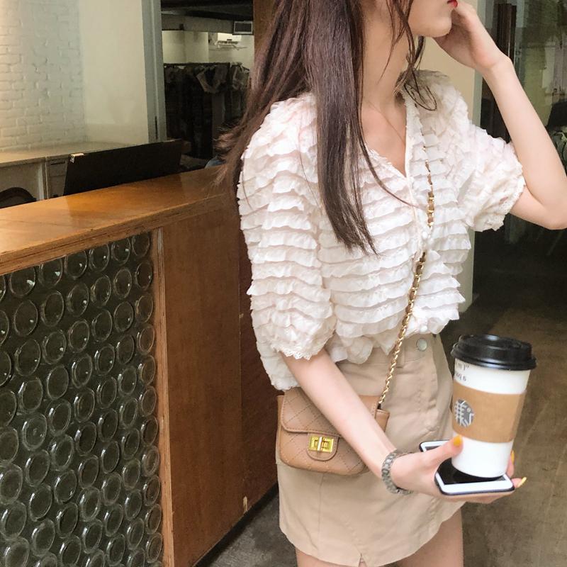 韓国 ファッション トップス ブラウス シャツ 春 夏 カジュアル PTXK059  フリル ティアード シアー パフスリーブ オルチャン シンプル 定番 セレカジの写真16枚目