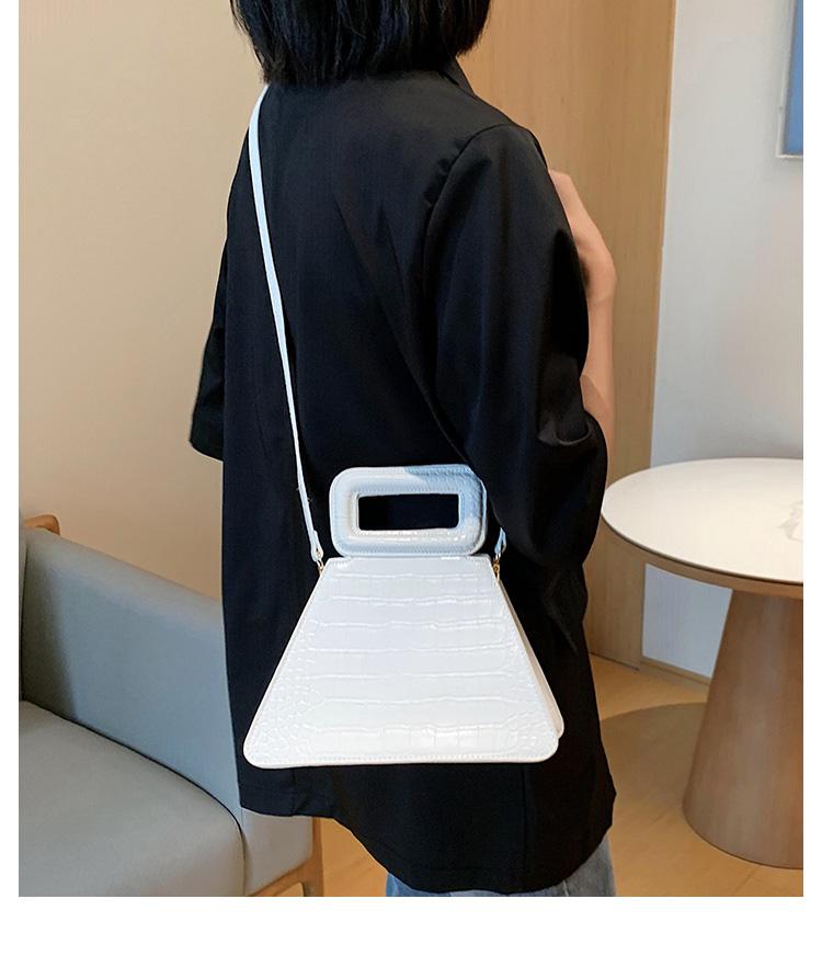 韓国 ファッション ショルダー ポシェット 春 夏 カジュアル PTXK161  型押し 光沢 ポシェット ミニバッグ 斜め掛け オルチャン シンプル 定番 セレカジの写真10枚目