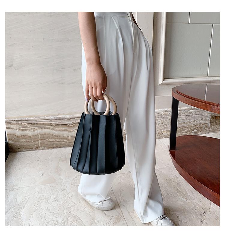 韓国 ファッション ショルダー ポシェット 春 夏 カジュアル PTXK165  プリーツ バケツ型 立体 ハンドバッグ オルチャン シンプル 定番 セレカジの写真8枚目