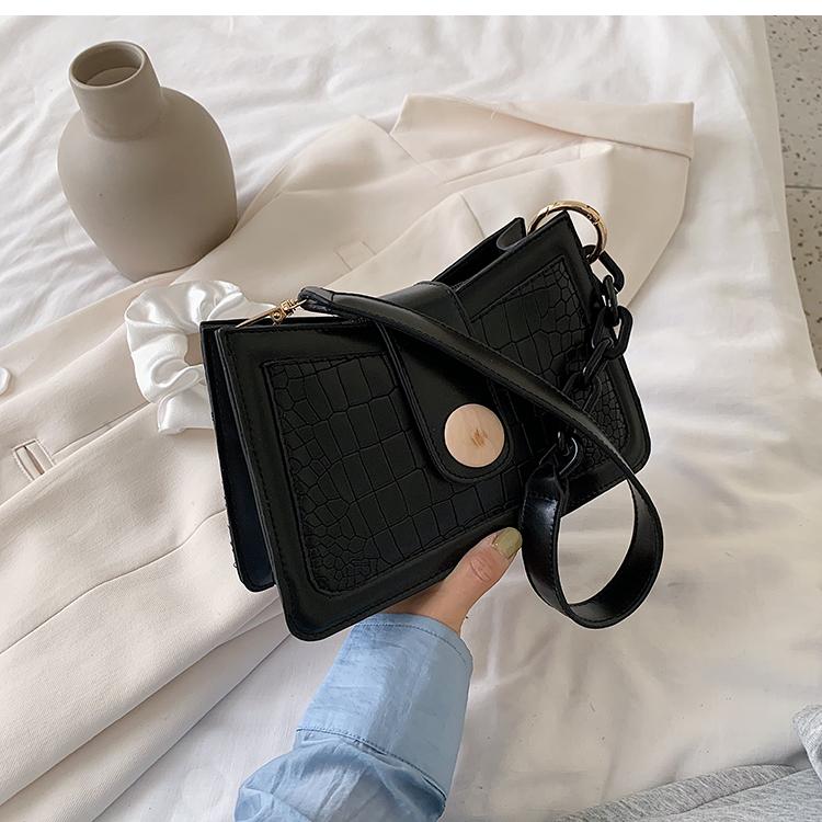 韓国 ファッション ショルダー ポシェット 春 夏 カジュアル PTXK167  ミニバッグ 脇下 型押し チェーン風 ミックス オルチャン シンプル 定番 セレカジの写真16枚目