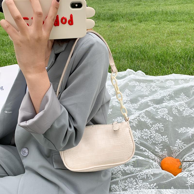 韓国 ファッション ショルダー ポシェット 春 夏 カジュアル PTXK171  チェーン風 型押し 脇下 ミニバッグ ショルダー オルチャン シンプル 定番 セレカジの写真2枚目