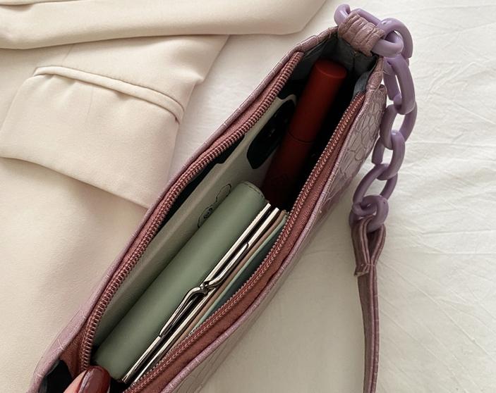 韓国 ファッション ショルダー ポシェット 春 夏 カジュアル PTXK171  チェーン風 型押し 脇下 ミニバッグ ショルダー オルチャン シンプル 定番 セレカジの写真5枚目