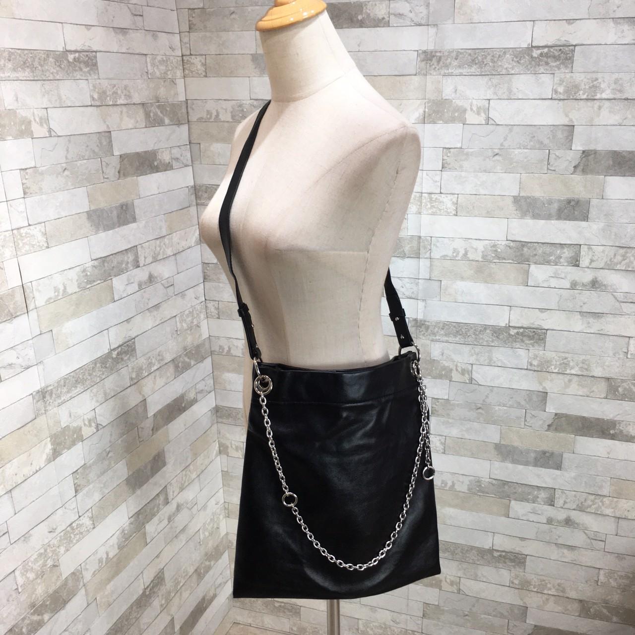 韓国 ファッション トートバッグ 春 夏 カジュアル PTXK175  チェーン レザー風 ショルダー トートバッグ オルチャン シンプル 定番 セレカジの写真5枚目