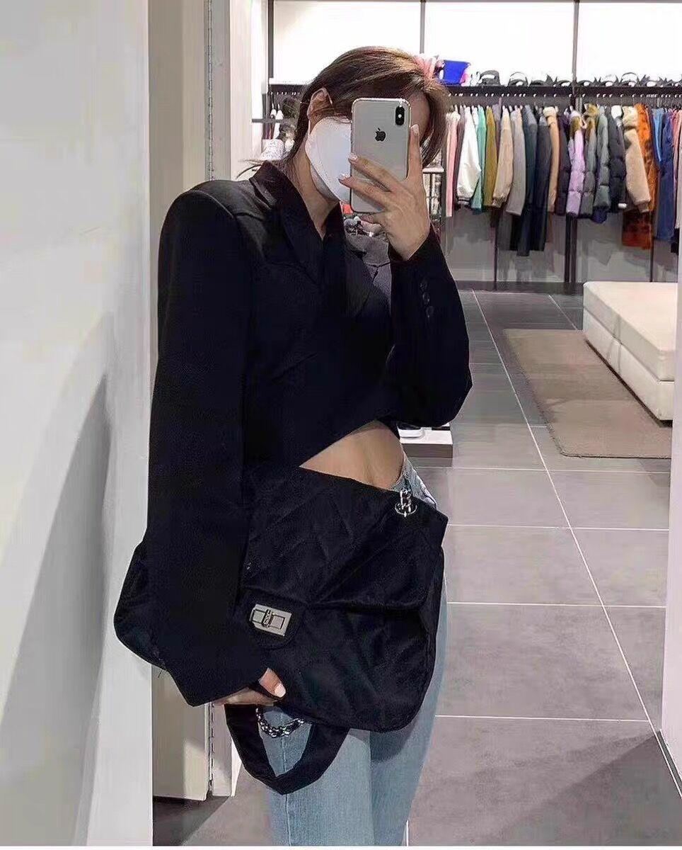 韓国 ファッション ショルダー ポシェット 春 夏 カジュアル PTXK177  ナイロン キルティング 大き目 通勤 通学 オルチャン シンプル 定番 セレカジの写真5枚目