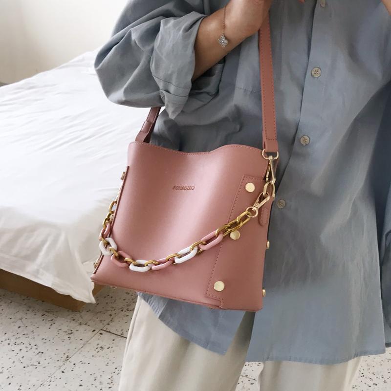 韓国 ファッション ショルダー ポシェット 春 夏 カジュアル PTXK183  チェーン風 バケツ型 バッグインバッグ 淡色 オルチャン シンプル 定番 セレカジの写真2枚目