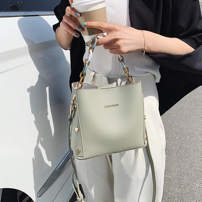 韓国 ファッション ショルダー ポシェット 春 夏 カジュアル PTXK183  チェーン風 バケツ型 バッグインバッグ 淡色 オルチャン シンプル 定番 セレカジの写真4枚目