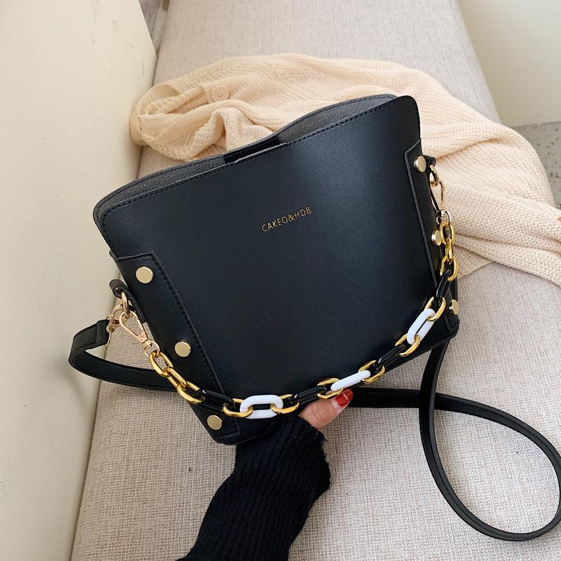 韓国 ファッション ショルダー ポシェット 春 夏 カジュアル PTXK183  チェーン風 バケツ型 バッグインバッグ 淡色 オルチャン シンプル 定番 セレカジの写真5枚目