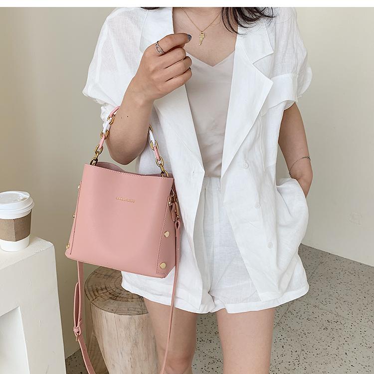 韓国 ファッション ショルダー ポシェット 春 夏 カジュアル PTXK183  チェーン風 バケツ型 バッグインバッグ 淡色 オルチャン シンプル 定番 セレカジの写真7枚目