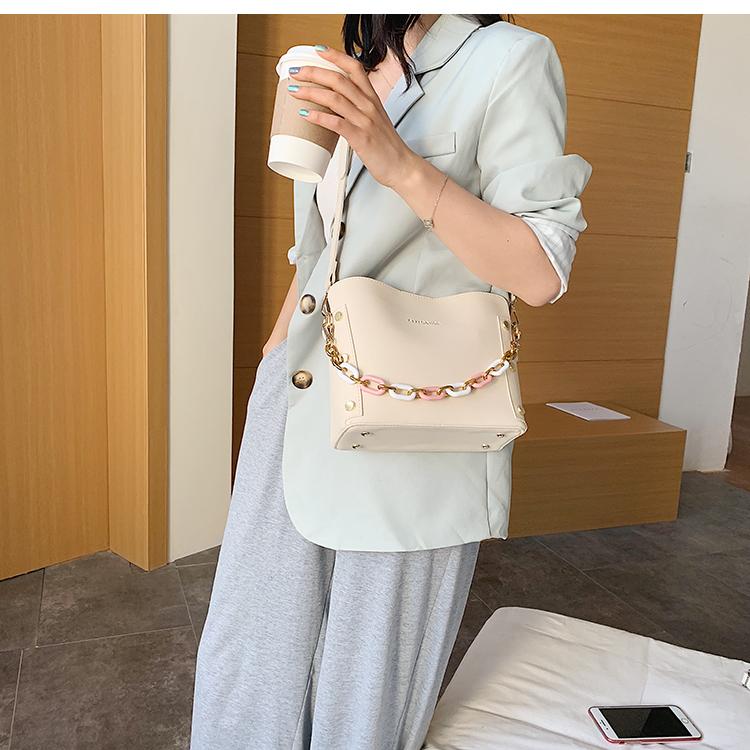 韓国 ファッション ショルダー ポシェット 春 夏 カジュアル PTXK183  チェーン風 バケツ型 バッグインバッグ 淡色 オルチャン シンプル 定番 セレカジの写真8枚目