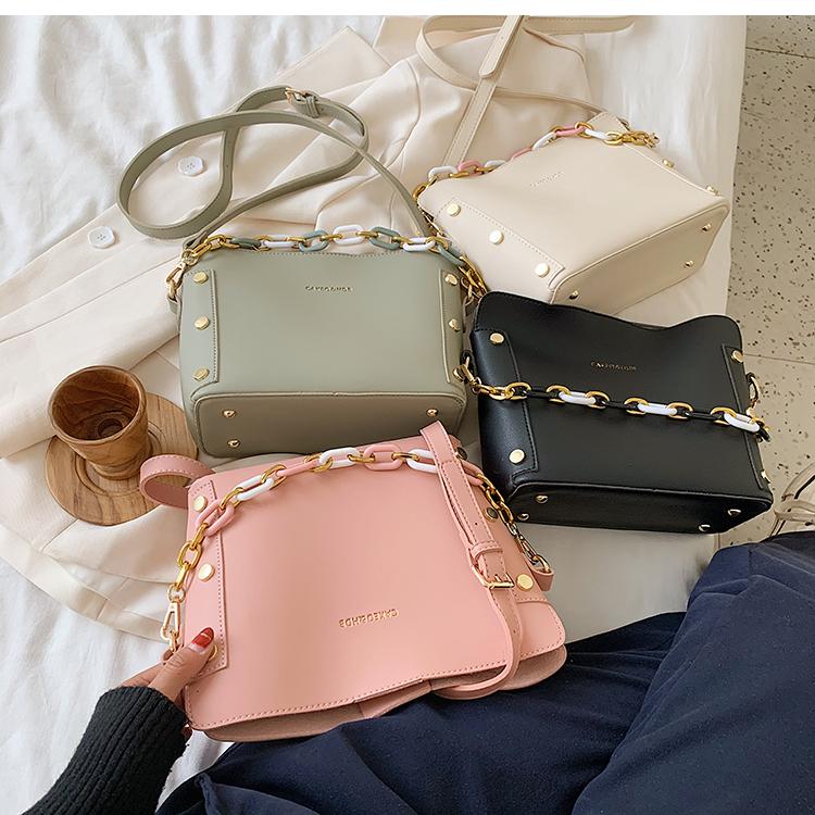 韓国 ファッション ショルダー ポシェット 春 夏 カジュアル PTXK183  チェーン風 バケツ型 バッグインバッグ 淡色 オルチャン シンプル 定番 セレカジの写真9枚目