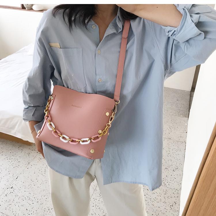 韓国 ファッション ショルダー ポシェット 春 夏 カジュアル PTXK183  チェーン風 バケツ型 バッグインバッグ 淡色 オルチャン シンプル 定番 セレカジの写真10枚目