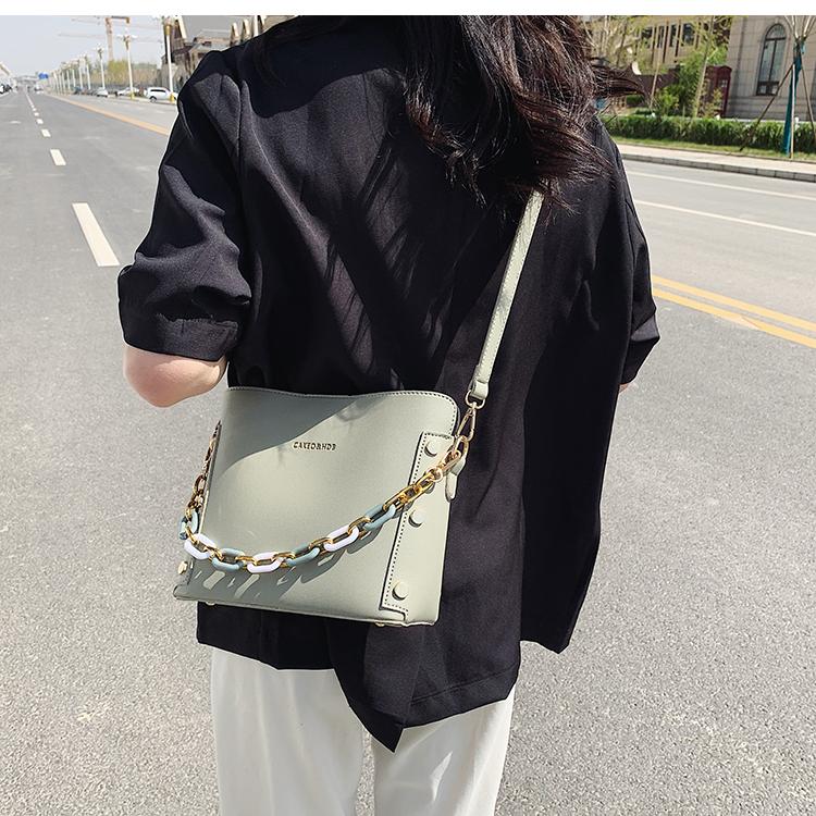 韓国 ファッション ショルダー ポシェット 春 夏 カジュアル PTXK183  チェーン風 バケツ型 バッグインバッグ 淡色 オルチャン シンプル 定番 セレカジの写真16枚目