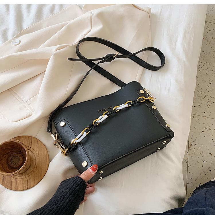 韓国 ファッション ショルダー ポシェット 春 夏 カジュアル PTXK183  チェーン風 バケツ型 バッグインバッグ 淡色 オルチャン シンプル 定番 セレカジの写真18枚目