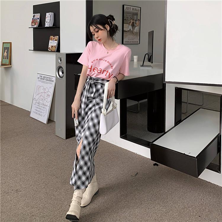 韓国 ファッション セットアップ 春 夏 カジュアル PTXK280  ロゴ Tシャツ ウエストマーク タイト スリット オルチャン シンプル 定番 セレカジの写真9枚目