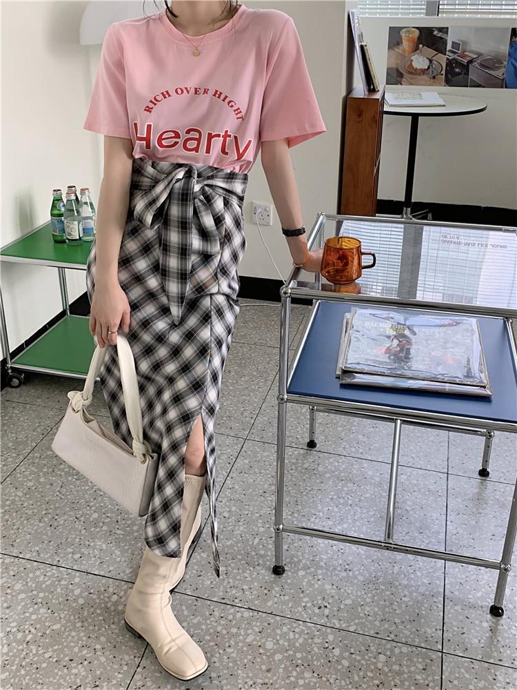 韓国 ファッション セットアップ 春 夏 カジュアル PTXK280  ロゴ Tシャツ ウエストマーク タイト スリット オルチャン シンプル 定番 セレカジの写真10枚目