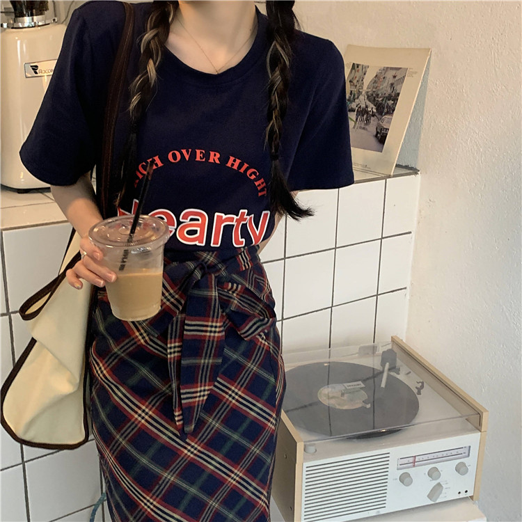 韓国 ファッション セットアップ 春 夏 カジュアル PTXK280  ロゴ Tシャツ ウエストマーク タイト スリット オルチャン シンプル 定番 セレカジの写真15枚目