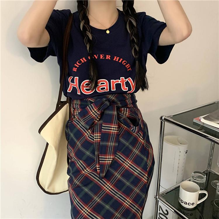 韓国 ファッション セットアップ 春 夏 カジュアル PTXK280  ロゴ Tシャツ ウエストマーク タイト スリット オルチャン シンプル 定番 セレカジの写真20枚目