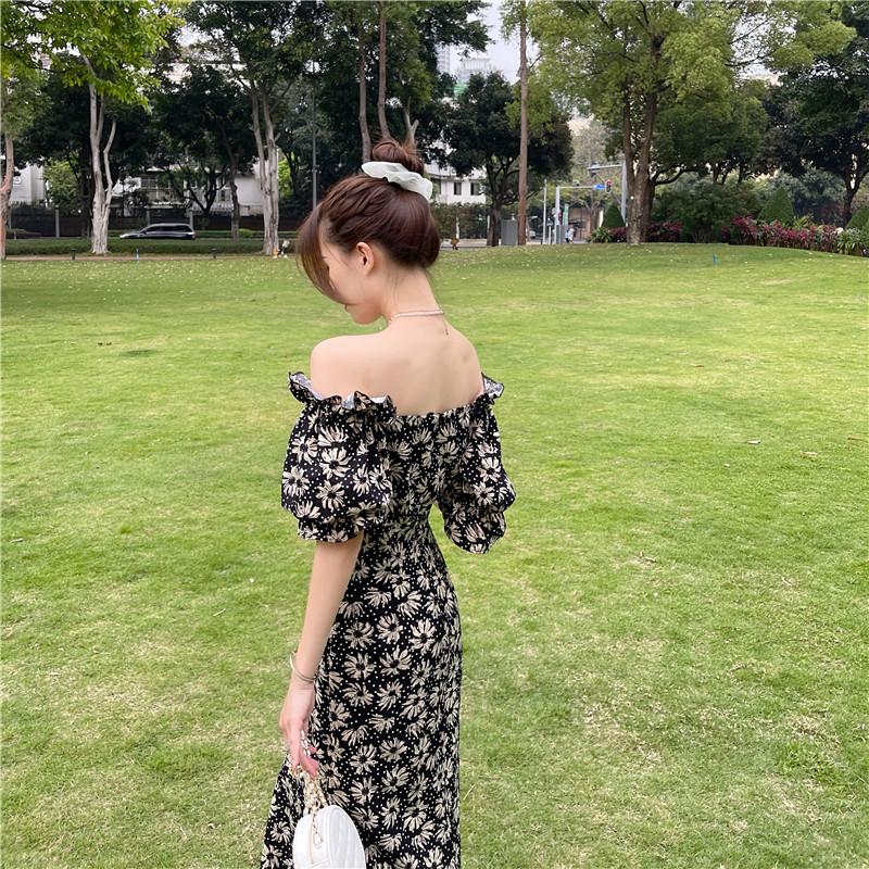 韓国 ファッション ワンピース 春 夏 カジュアル PTXK339  デコルテ見せ オフショルダー Yライン スリット オルチャン シンプル 定番 セレカジの写真7枚目