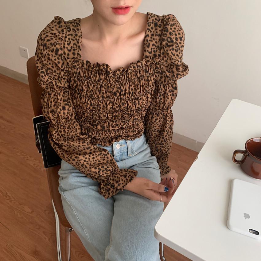 韓国 ファッション トップス ブラウス シャツ 春 秋 冬 カジュアル PTXL483  ベイクドカラー ギャザー クロップド 肌見せ オルチャン シンプル 定番 セレカジの写真12枚目